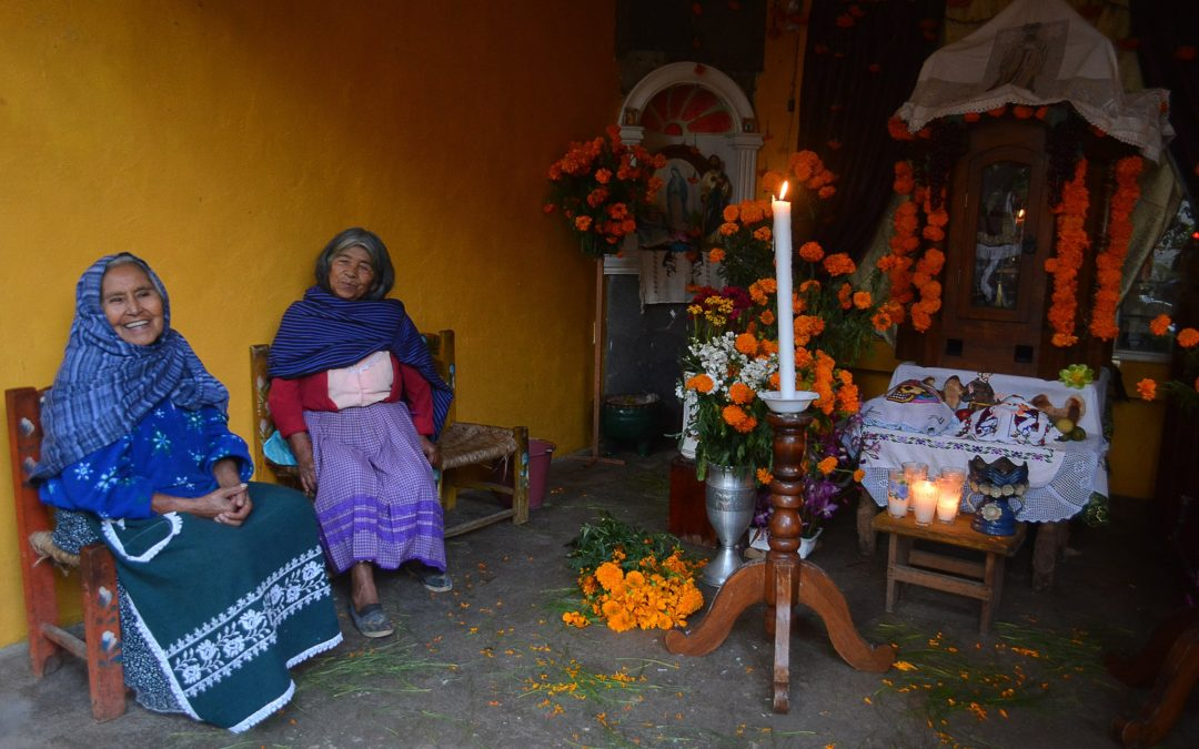 Rebozo Mexicano: Mesoamerican History and Uses